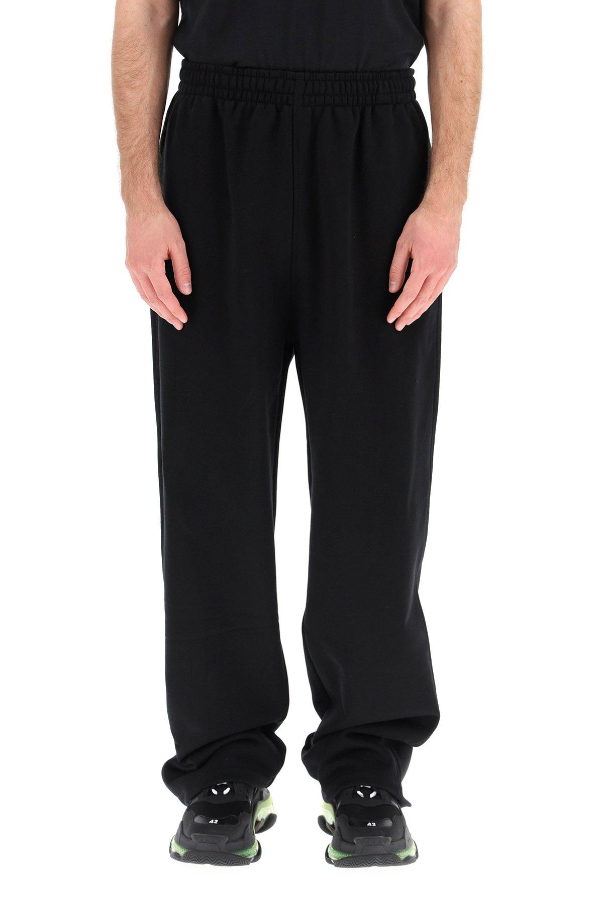 Balenciaga pantaloni jogger logo political