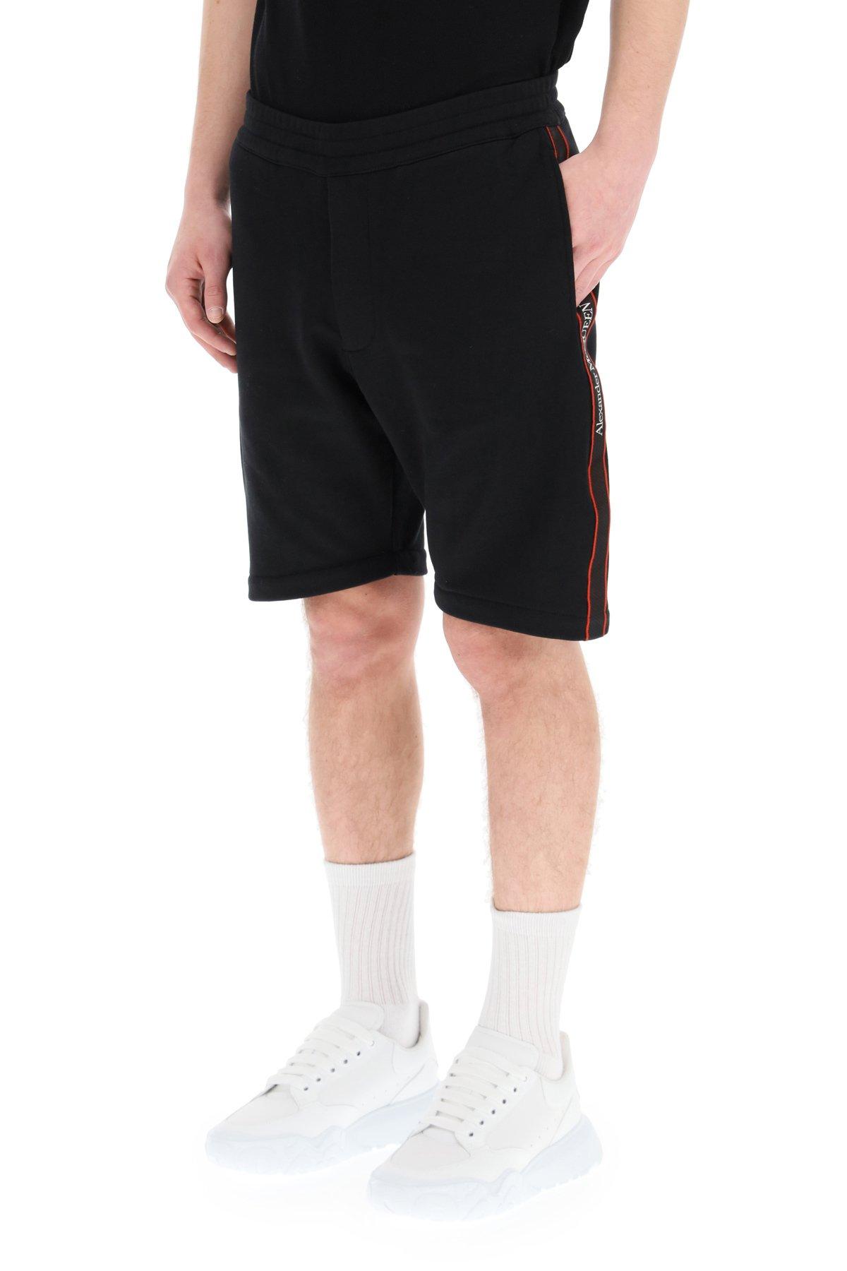 Alexander mcqueen bermuda jogger con cimosa logata