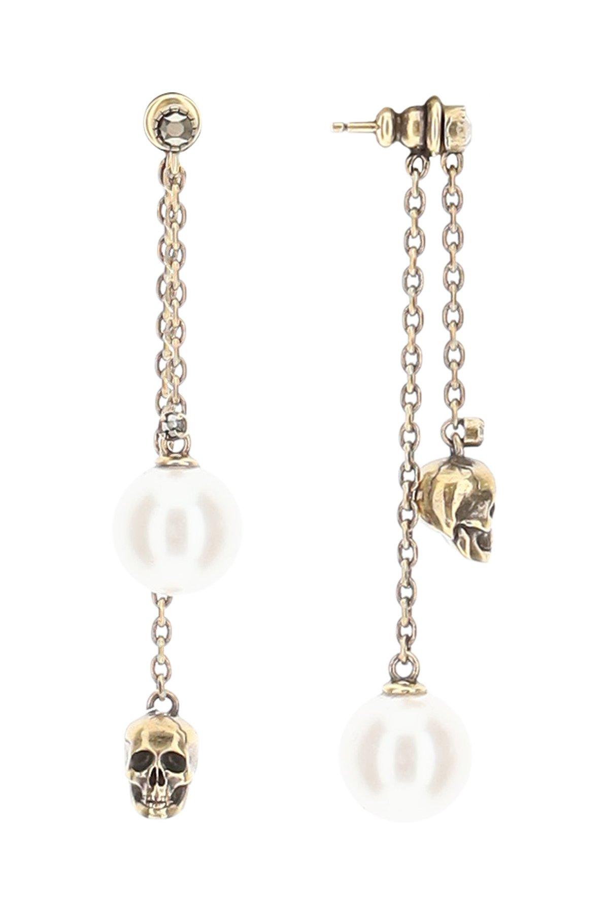Alexander mcqueen orecchini pendenti skull e perla