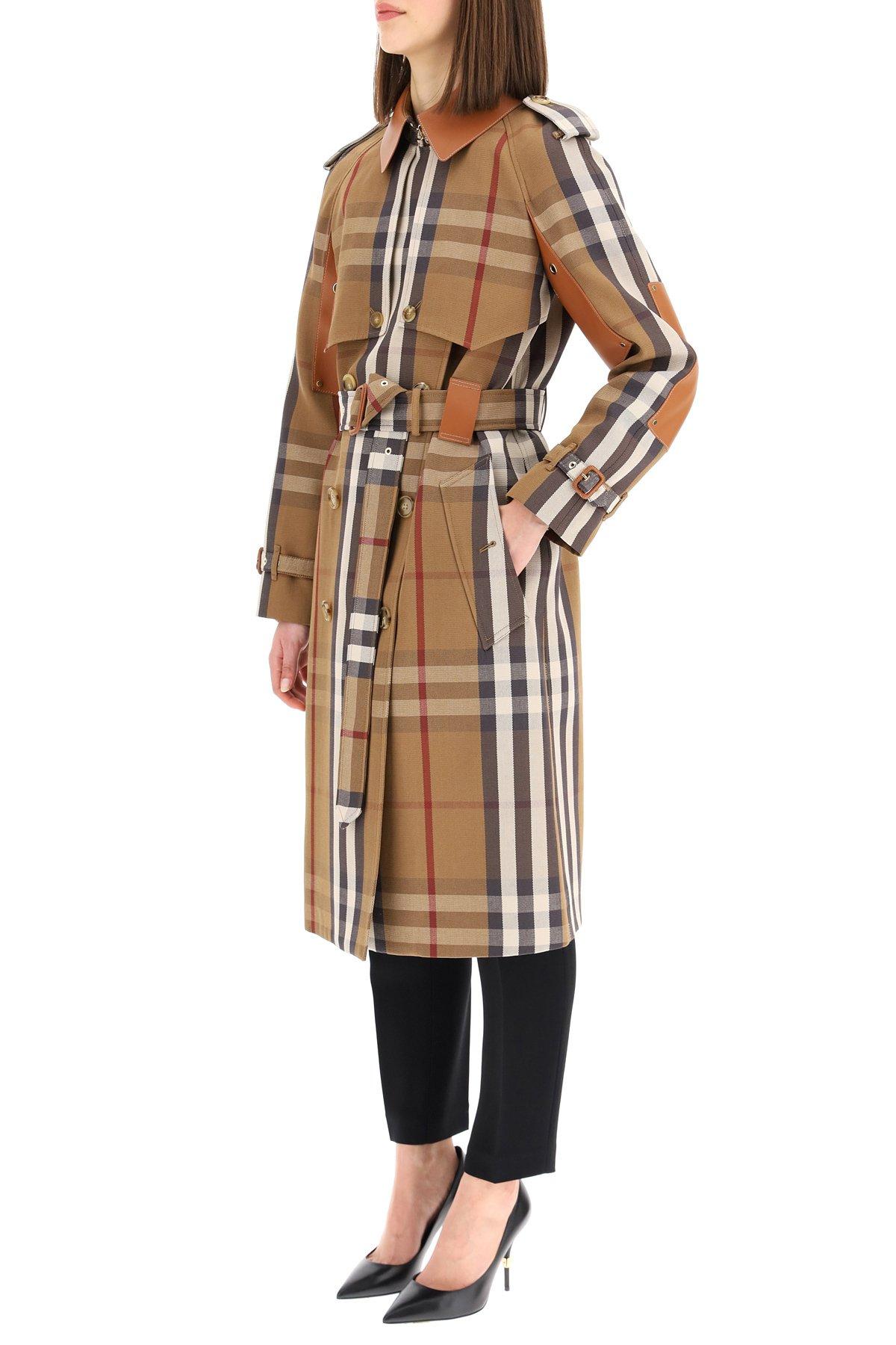 Burberry trench coat rainham con dettagli in pelle